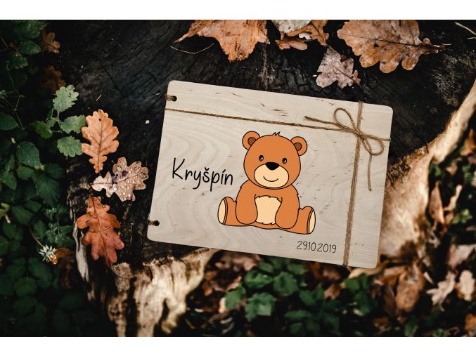 Dětské fotoalbum #medvidek  Dřevěné dětské fotoalbum s medvídkem.