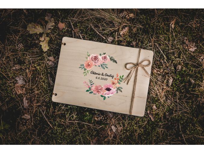 Svatební fotoalbum #roses  Dřevěné fotoalbum s elegantním vzorem s růžemi.