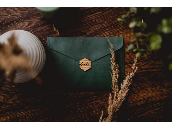 Obálka pro oznámení  Papír nebo dřevo, vždy elegantně a stylově.