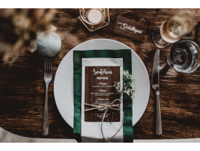 Svatební dřevěné MENU  Doplňte Vaší svatební tabuli naším dřevěným svatebním menu.