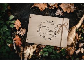Svatební fotoalbum #boho  Dřevěné fotoalbum s větvičkovým boho vzorem.