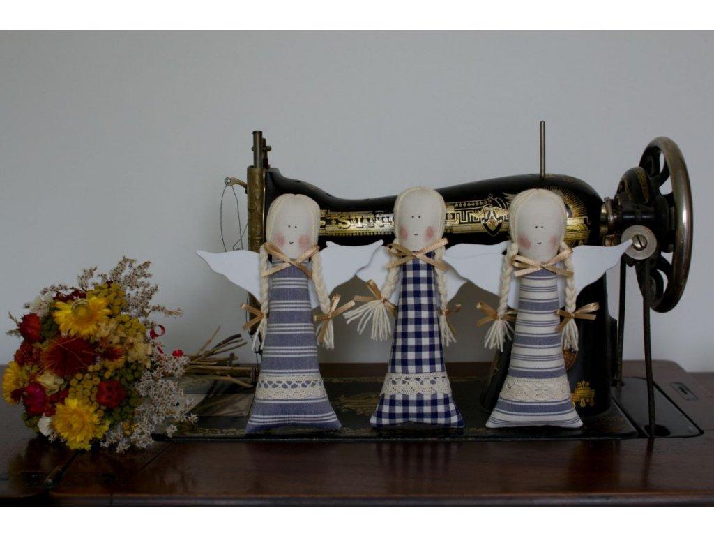 Andelka modry kanafas sita dekorace DSC 0094