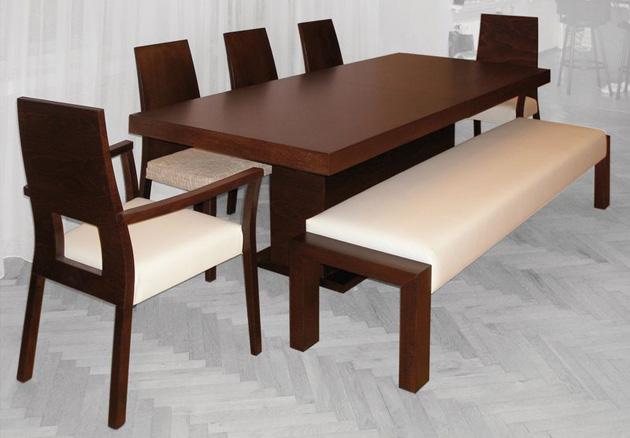 Stoly, židle a lavice