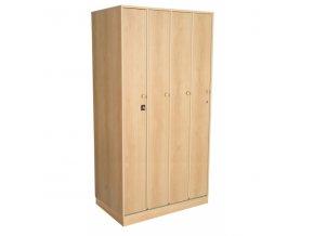 Šatní skříňka na soklu