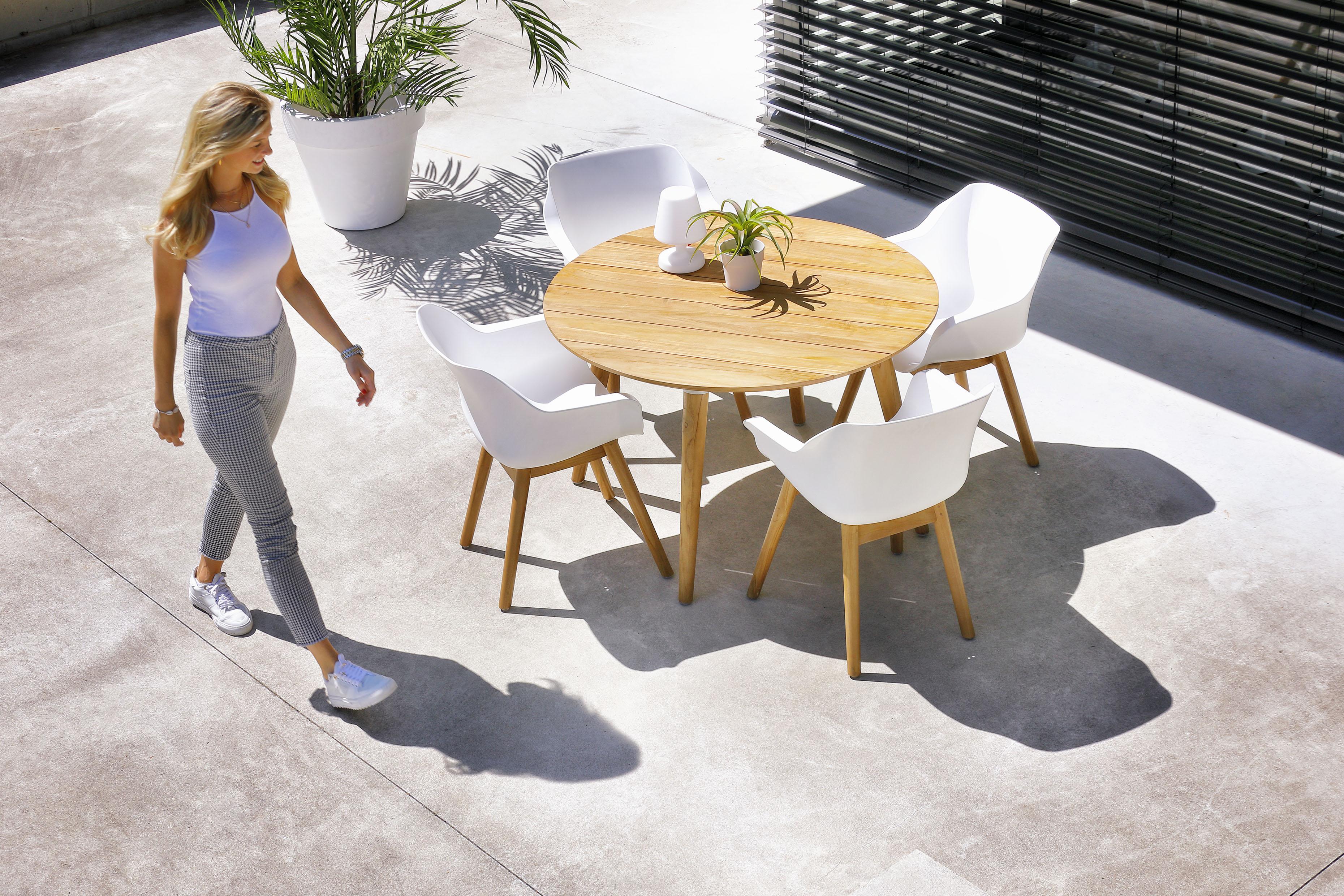Jak ušetřit za kvalitní zahradní nábytek Hartman až 50 %? Pořiďte si výbavu na příští sezónu ještě letos a na léto 2021 budete připraveni
