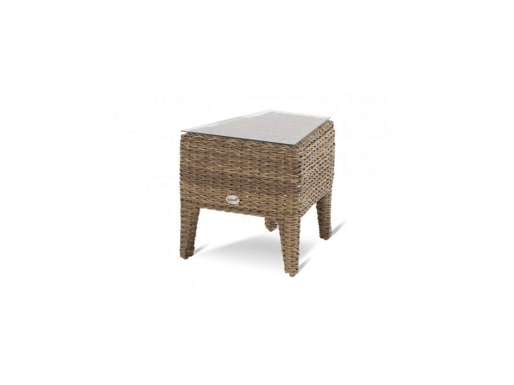 boční stolek z ratanu