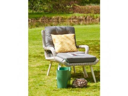 relaxační zahradní křeslo s podnožkou