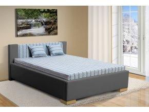 postel marco bílá na pozadí s polšt