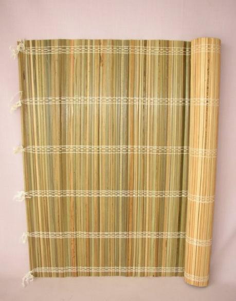 Bambusové rohože za postel