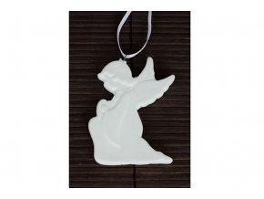 Anděl, porcelánová dekorace na zavěšení, barva bílá