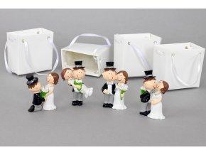 Nevěsta a ženich v papírové krabičce, dekorace z polyresinu, box 12 kusů, cena za 1 pár