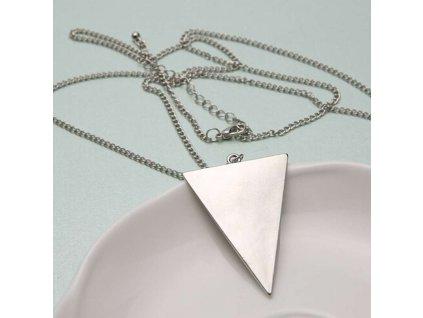 Trojúhelníkový náhrdelník