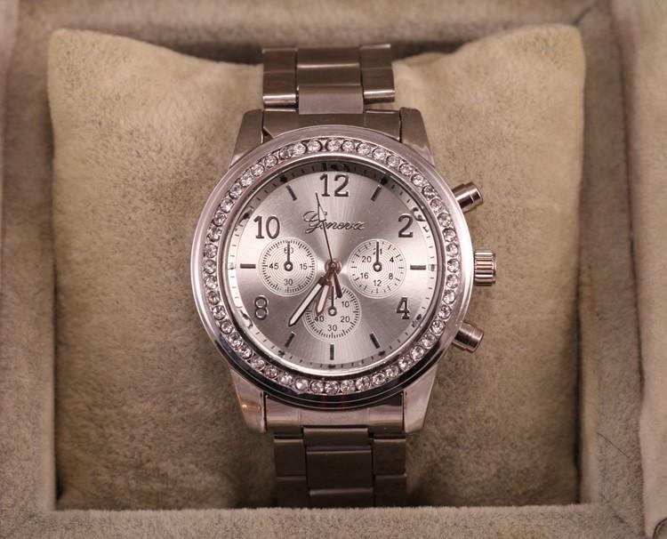 3e398016ceb Dámské Geneva hodinky Kovostyl - 3 barvy Barva  Stříbrná