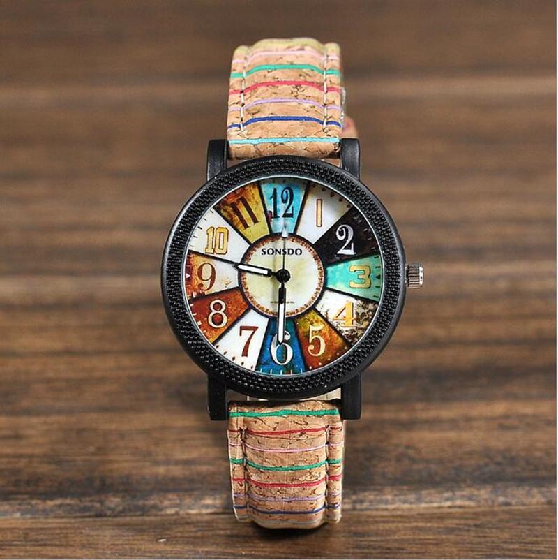 KOŽENÉ WOOD HODINKY - 4 MOTIVY Motiv: Rovné ručičky, hnědá barva s barevnými pruhy na náramku