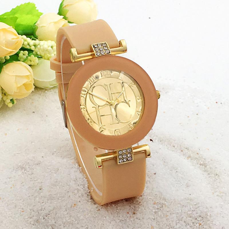 70983bb275b Dámské elegantní hodinky s krystaly - 3 BARVY Barva  Béžová