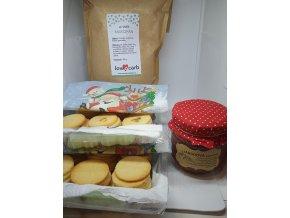LC balíček linecké a košíčky s marcipanem a malinami