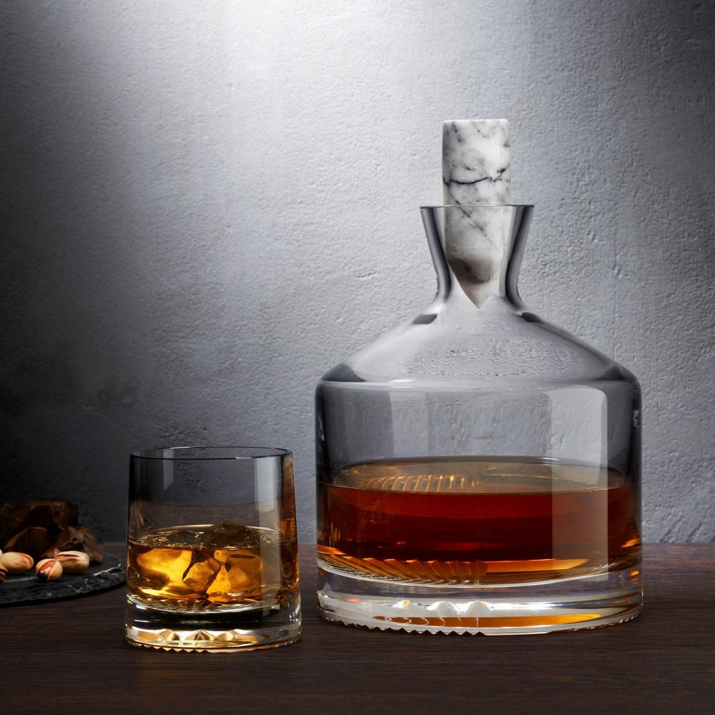 duzenlemeler 0018 Lifestyle Alba Whiskey Carafe 28675 1086003 1800x1800