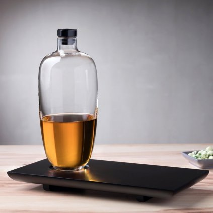 Malt Whisky Bottle Tall with Wooden Tray 3
