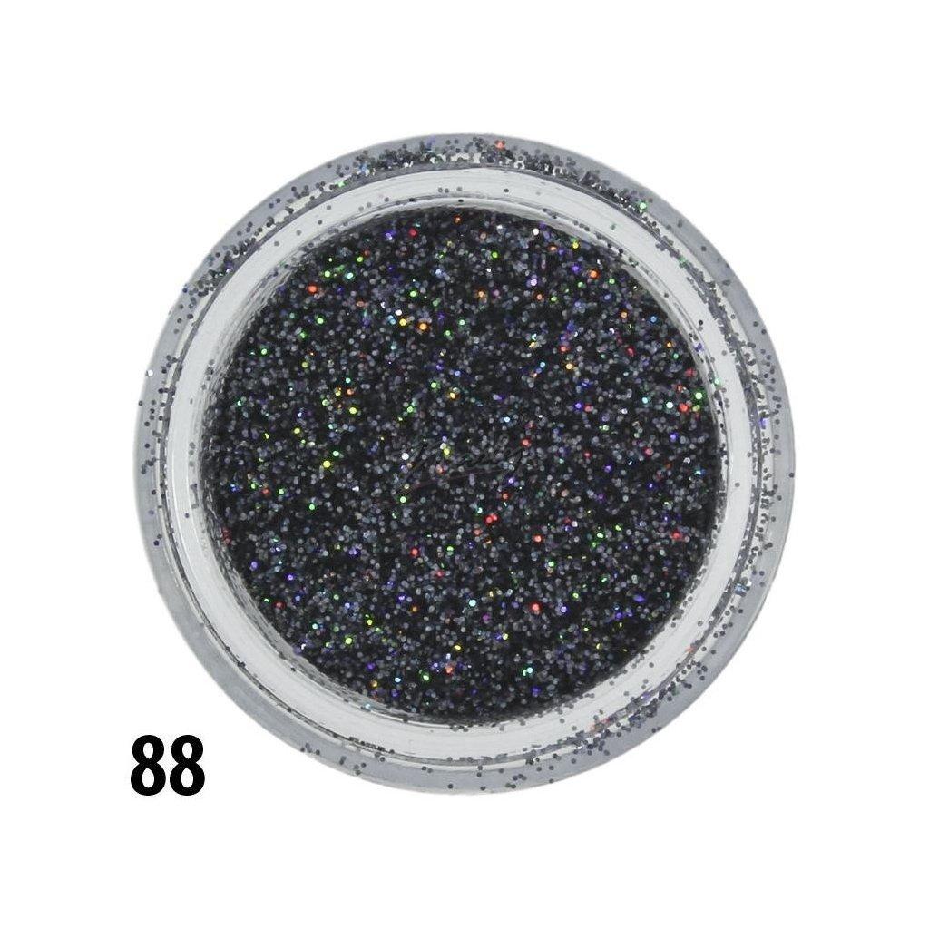 Pastelovo fialové glitre na nechty