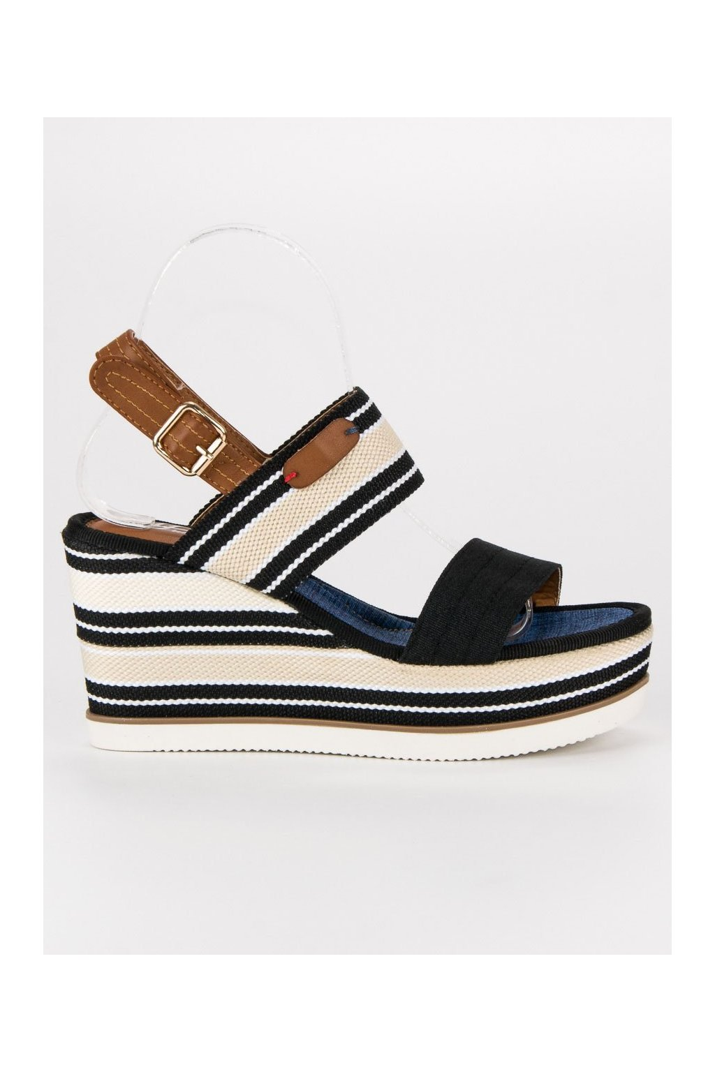 b249e54abb32 Sandále
