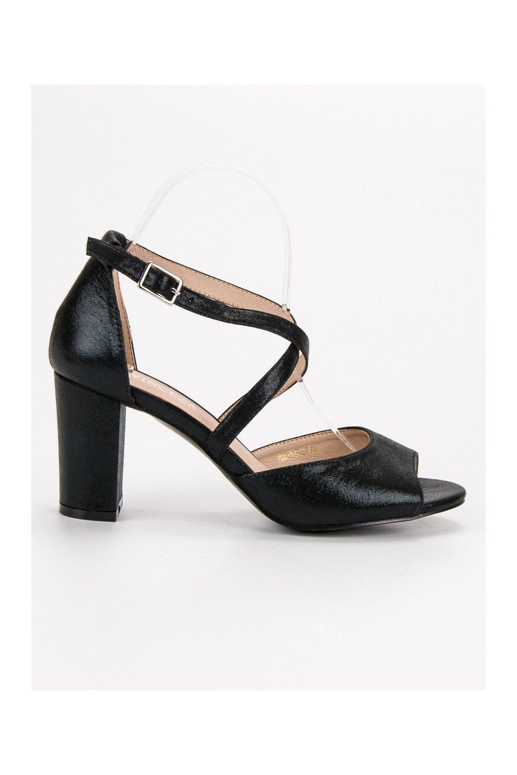 95e1ce0f08 Sandále