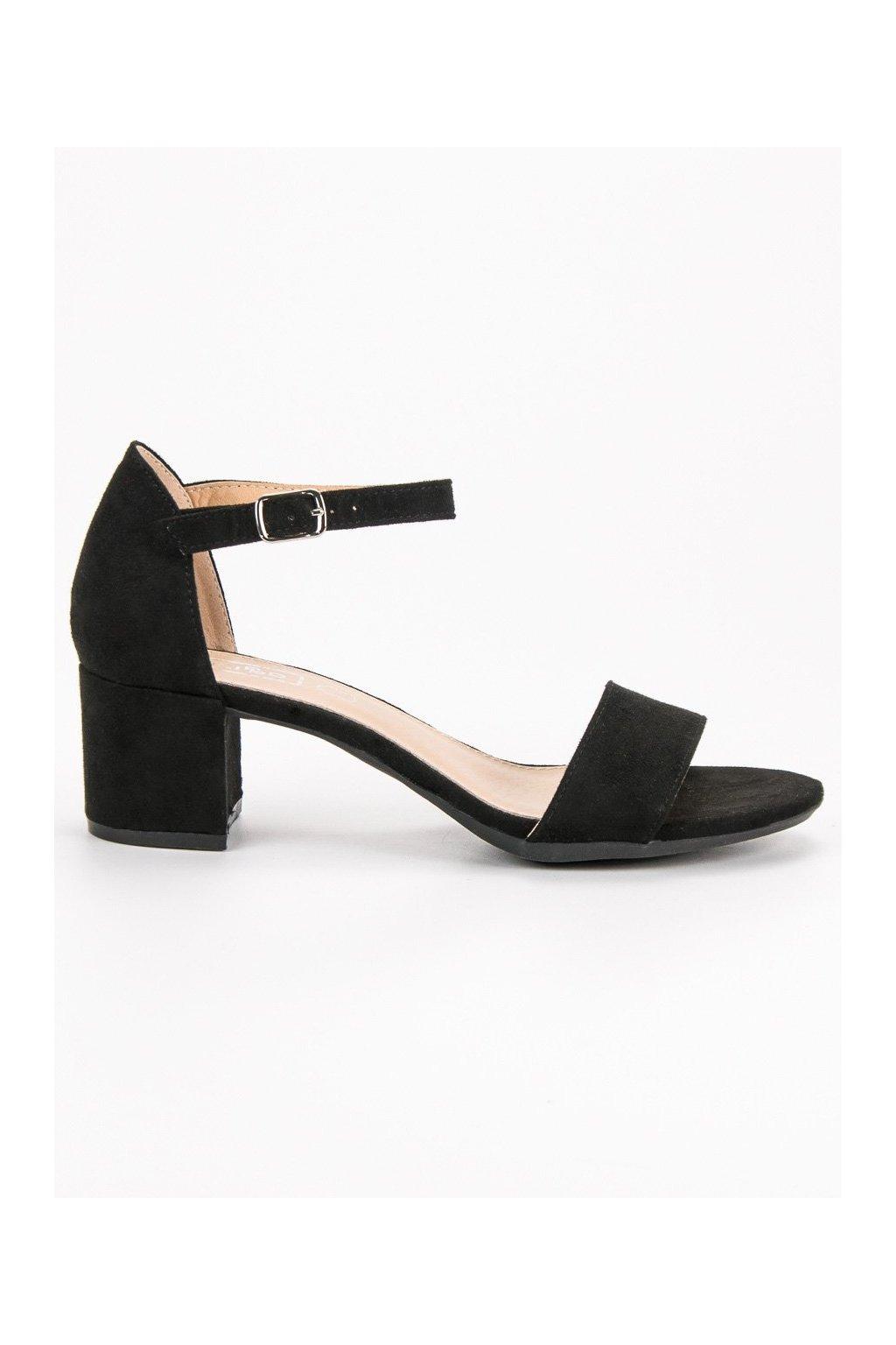 Čierne sandále na na stĺpikuu Filippo DS78718B