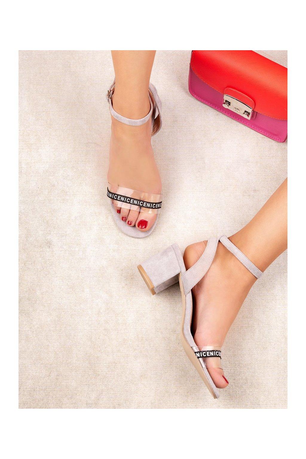 Sivé sandále na hrubom podpätku Ideal shoes kod S-7347G