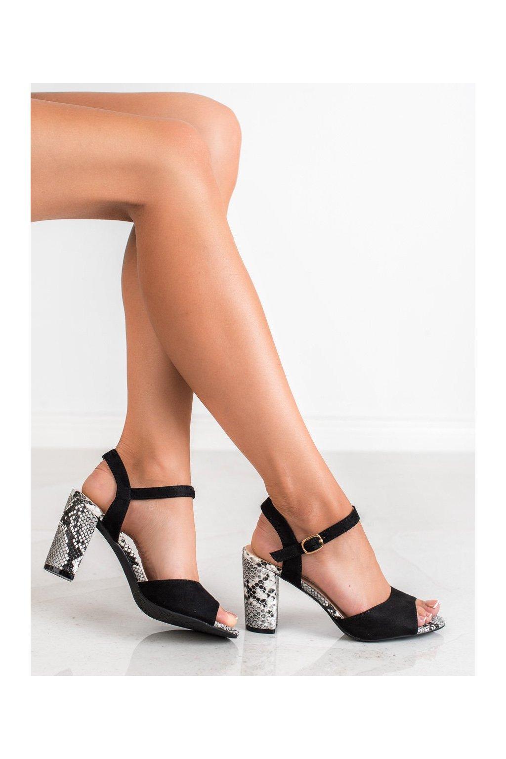 Čierne topánky Vinceza kod LE20-20102B