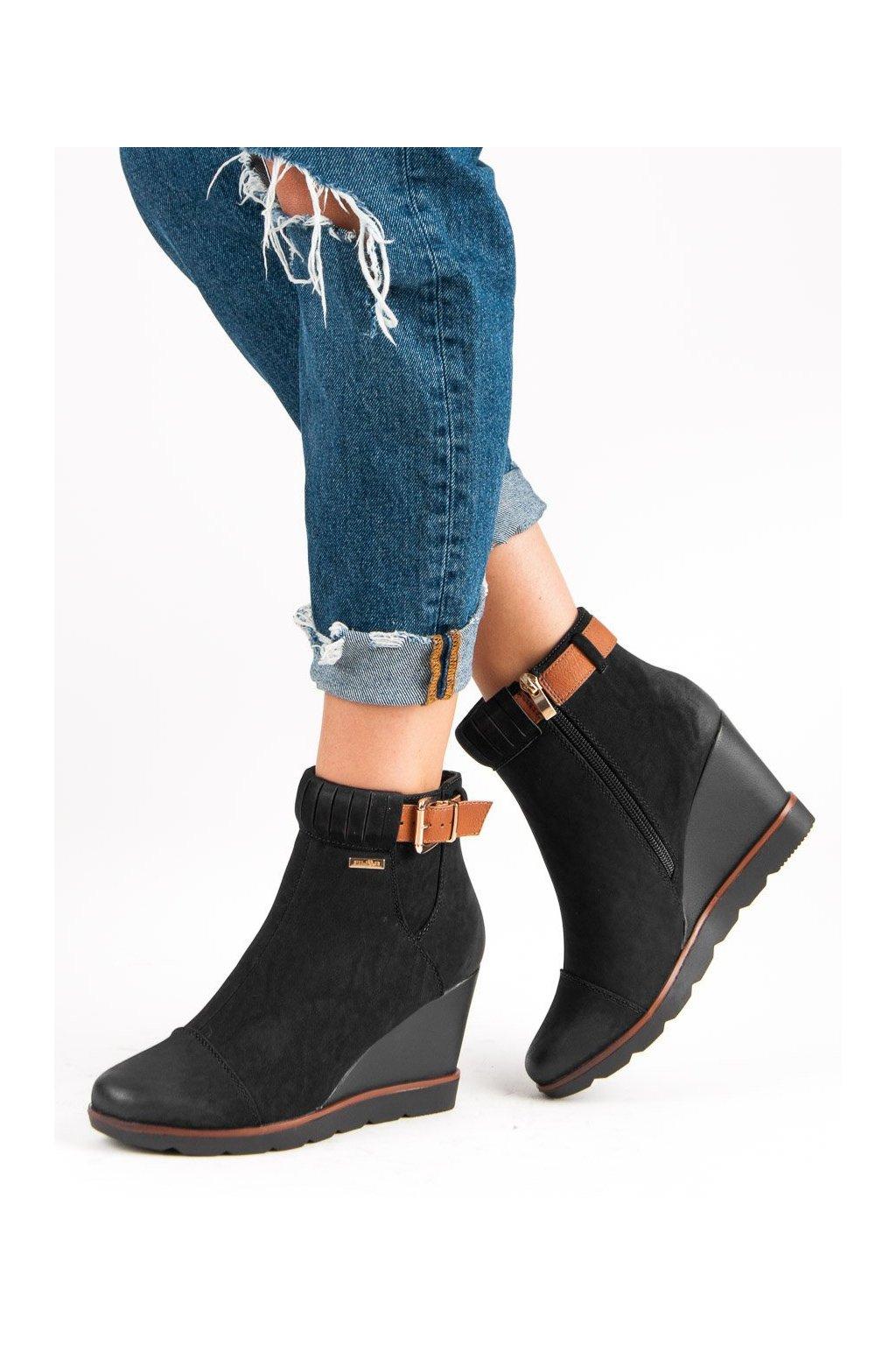Čierne dámske topánky Filippo kod DBT450/18B