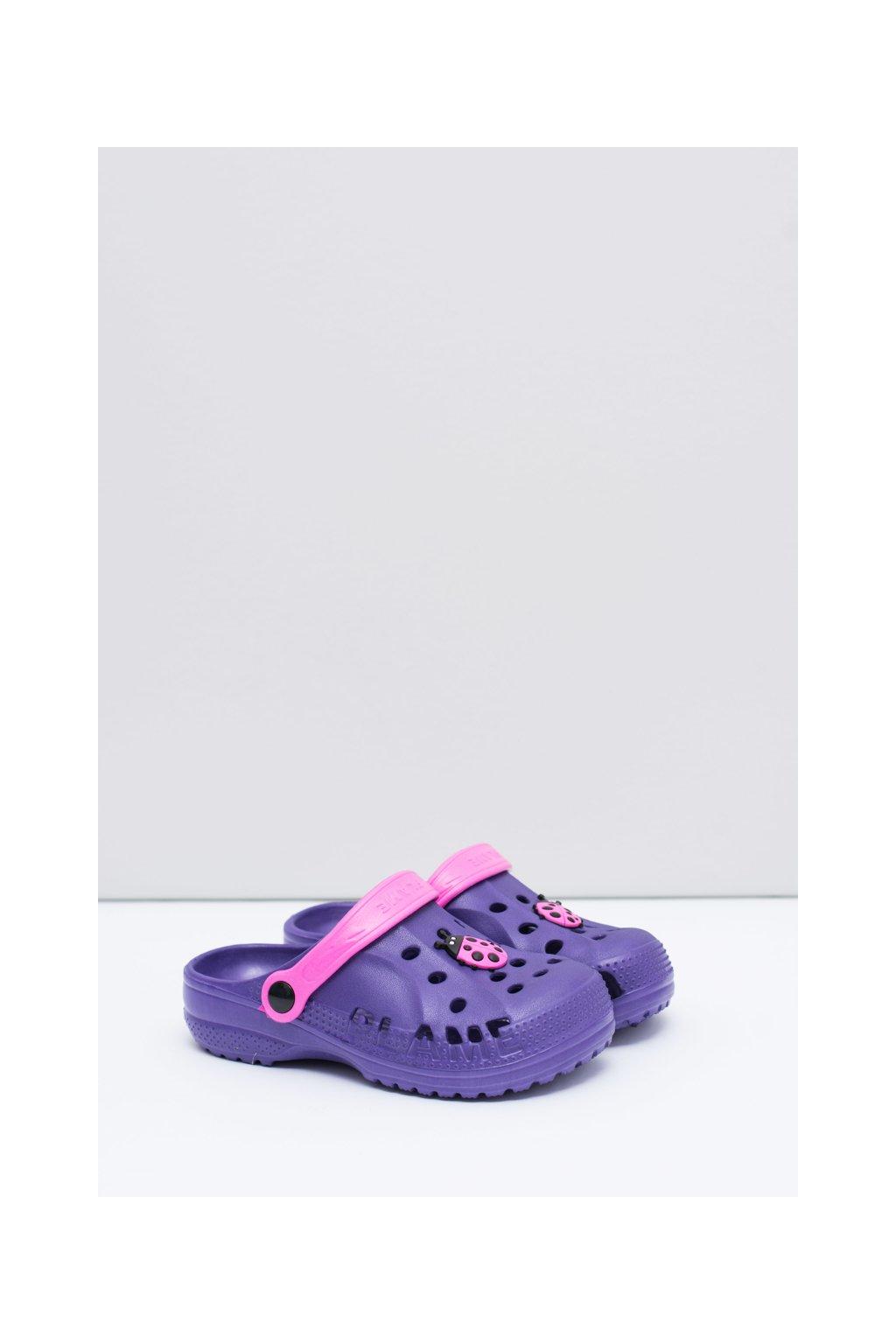 Dievčenské chlapčenské šľapky fialové Kroksy s Beruška