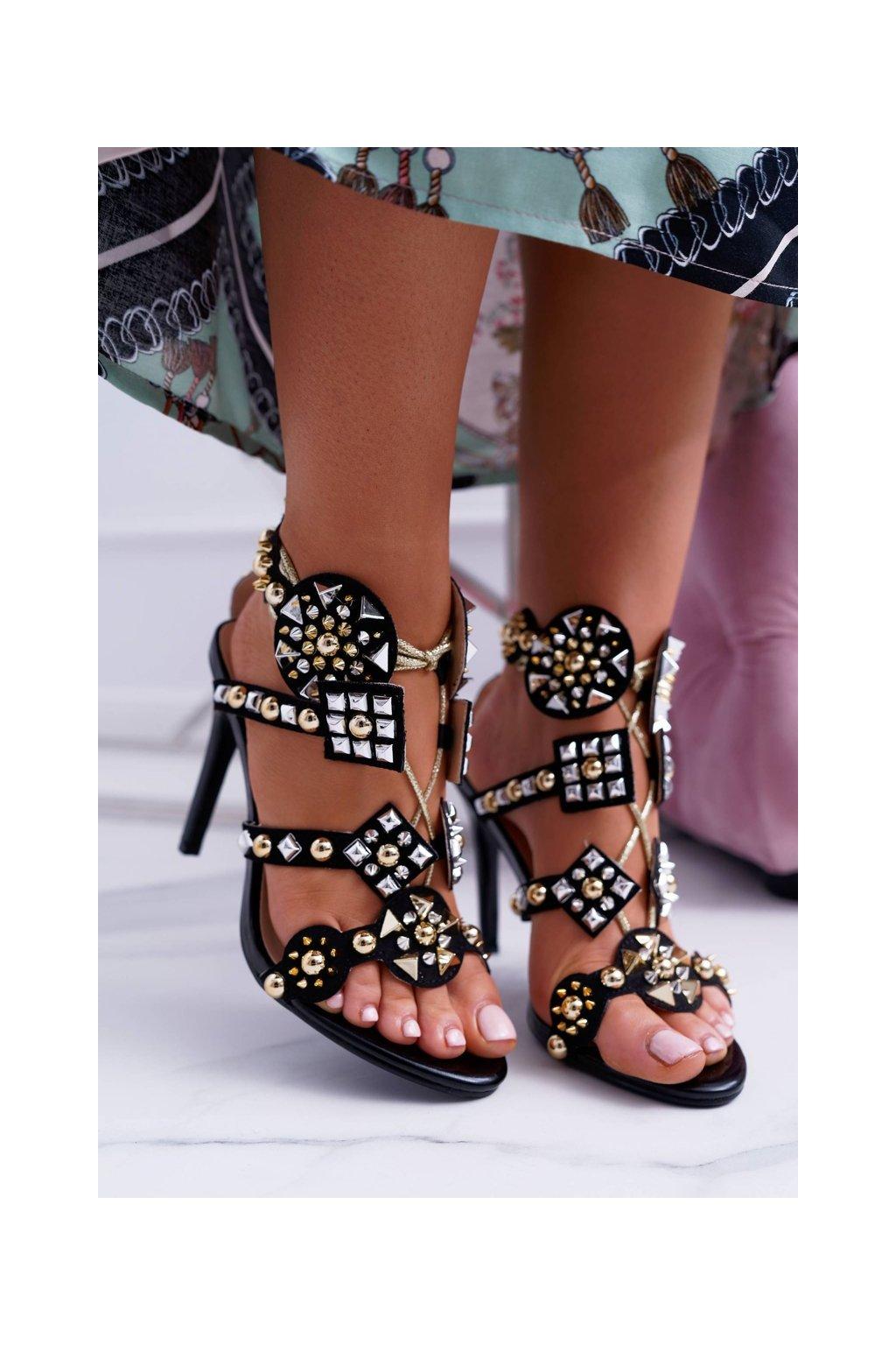 Dámske sandále na podpätku farba čierna kód obuvi 1428-40 BLK