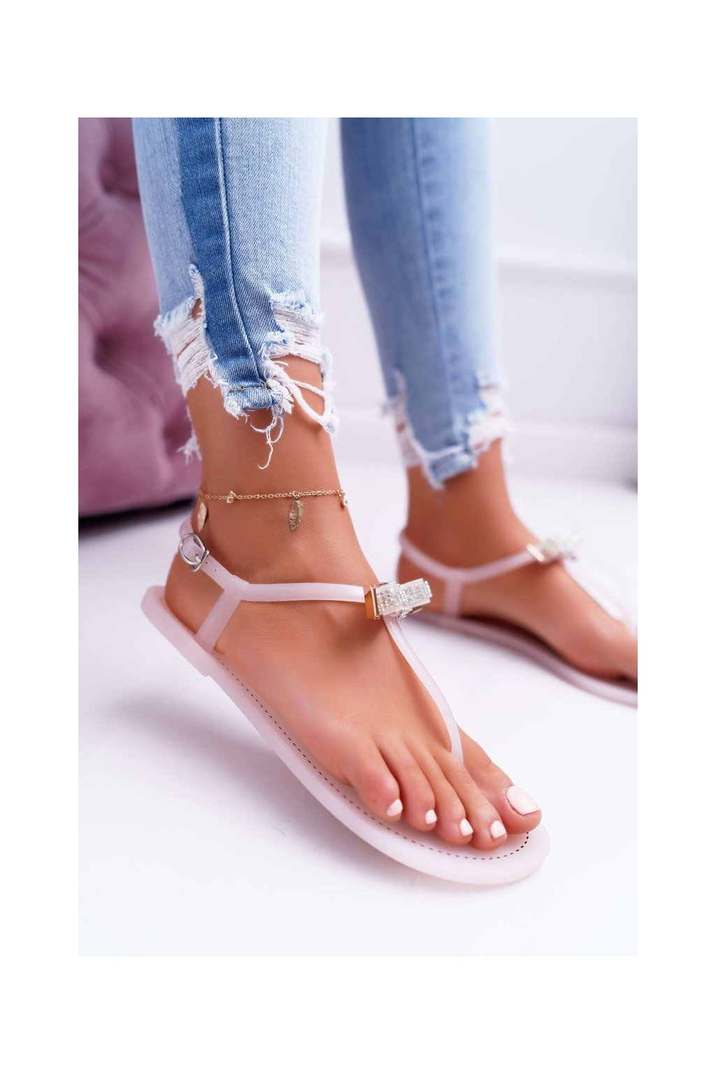 Dámske sandále s plochou podrážkou farba ružová kód obuvi 961 PINK