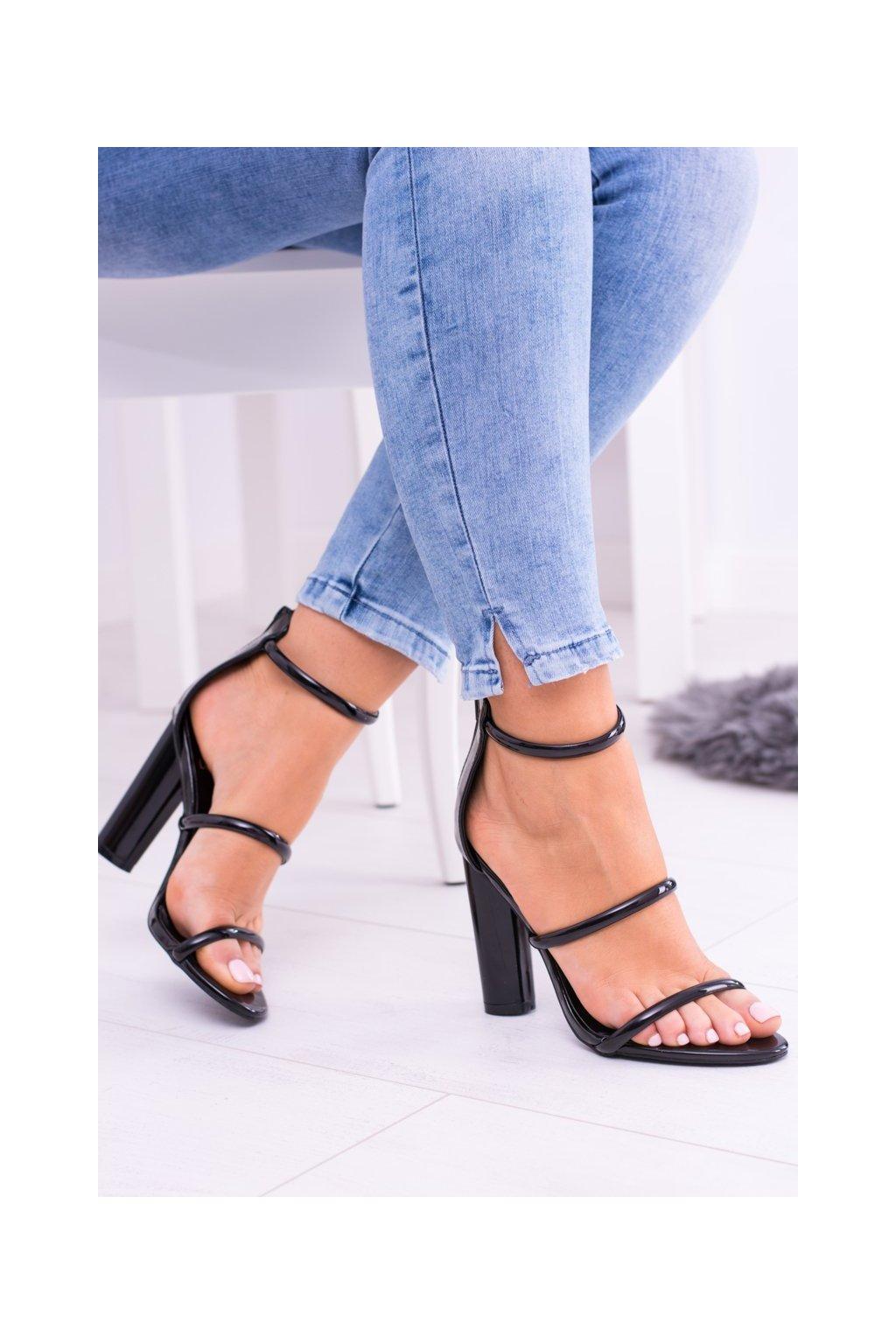 Dámske sandále na podpätku farba čierna kód obuvi DH20-1028 BLACK