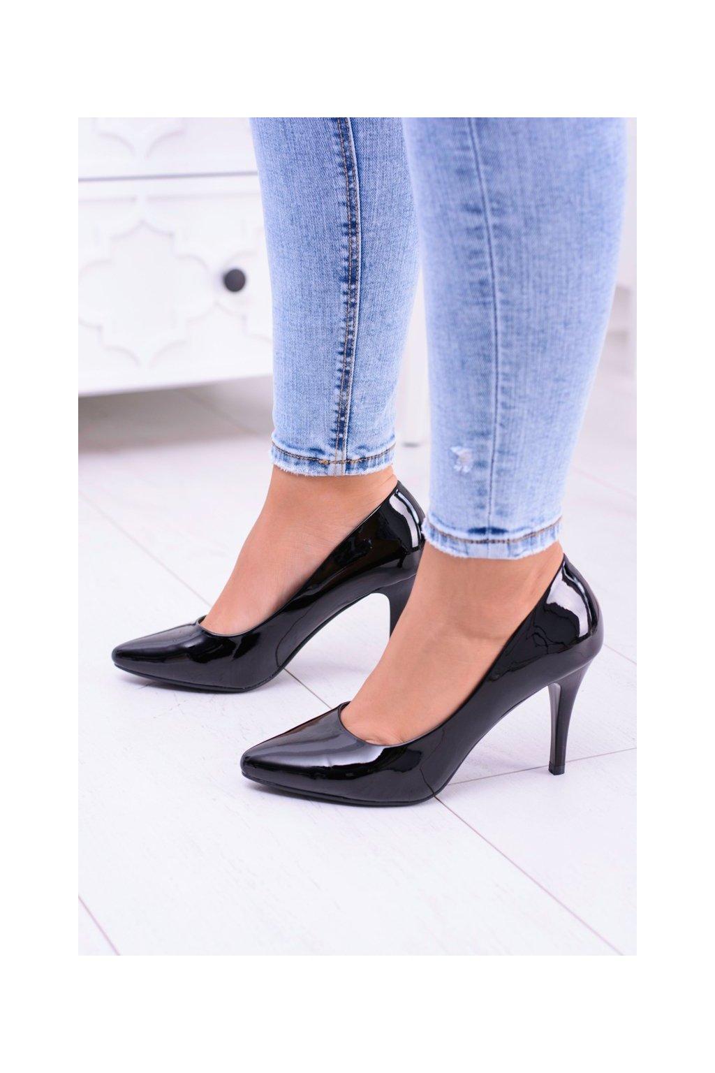 Dámske lodičky farba čierna kód obuvi 1399 BLK LAKIER