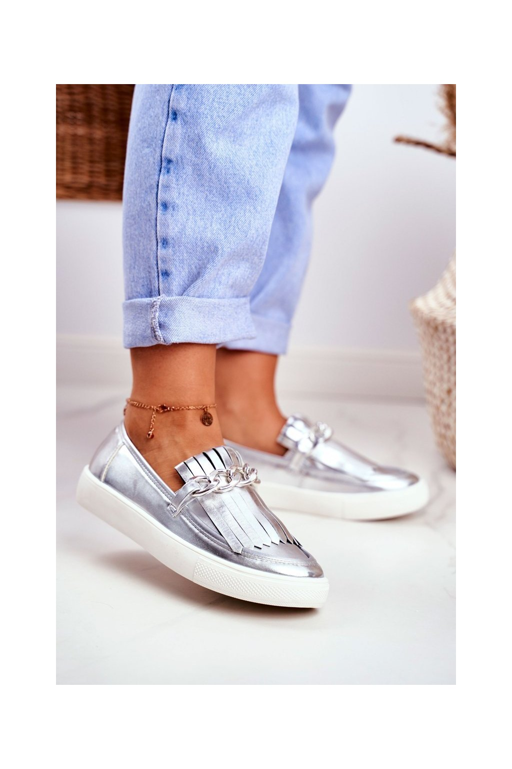 Dámske tenisky slip on farba sivá kód obuvi XW50012 SILVER PU