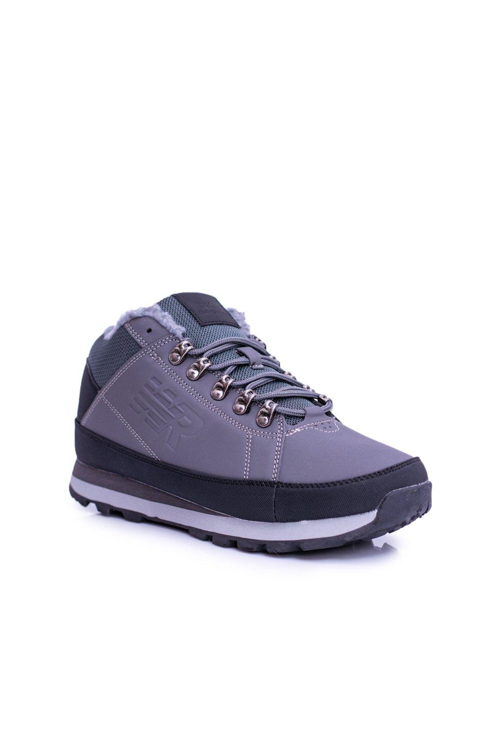 Pánske trekingové topánky farba sivá kód obuvi 9WCH-17000 GREY