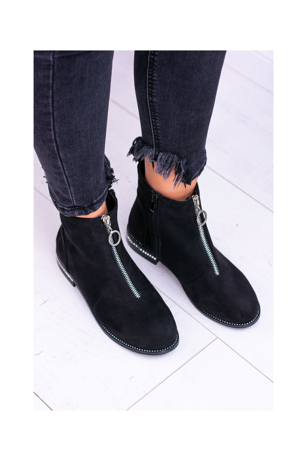 Dámske členkové ploché topánky s ozdobným zipsom čierne Femina