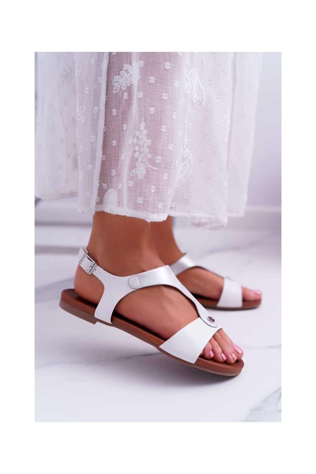 Dámske ploché sandále farba biela kód obuvi 541-8 WHITE