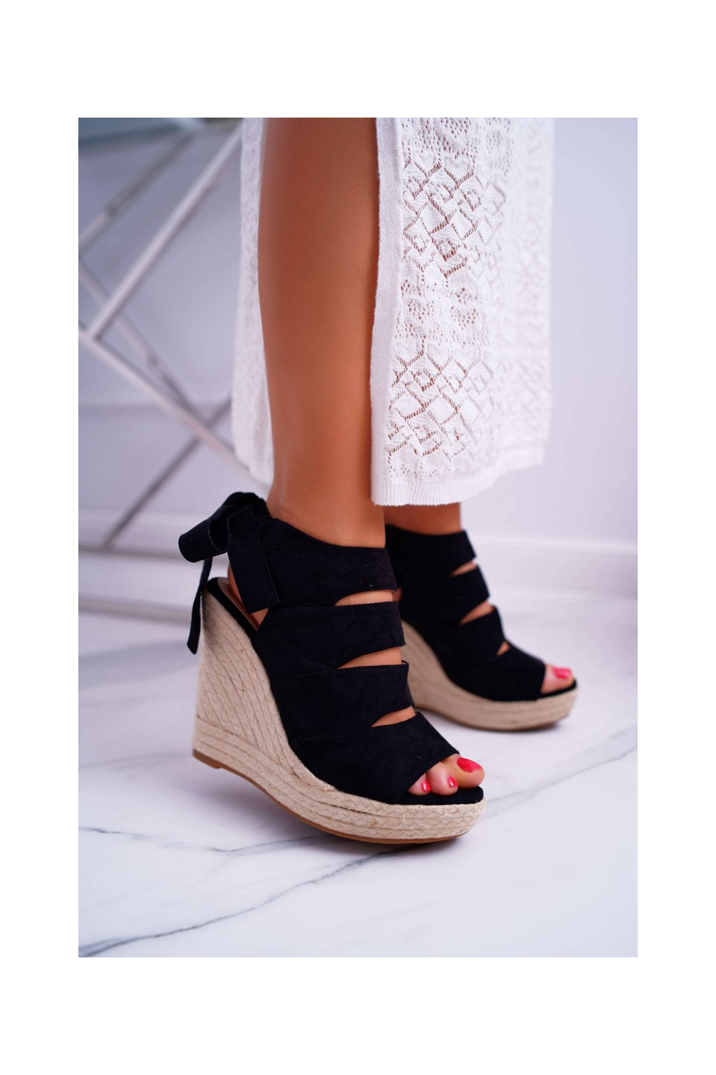 Dámske Sandále na klíne čierne Cantare