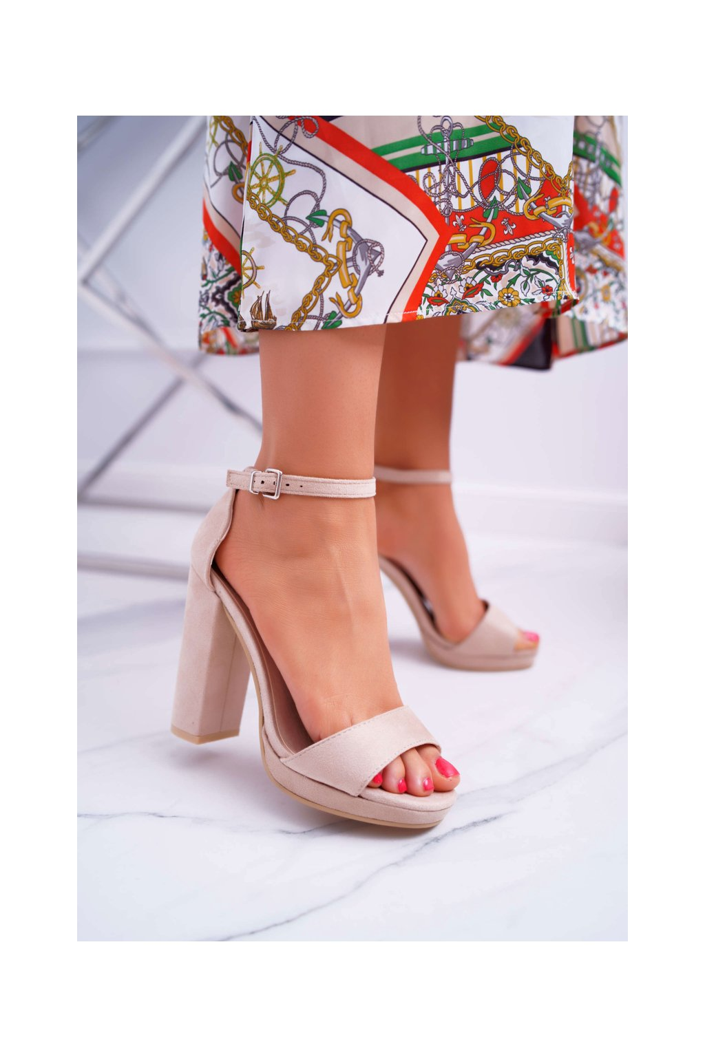 Dámske sandále na podpätku farba hnedá kód obuvi W05-6 BEIGE