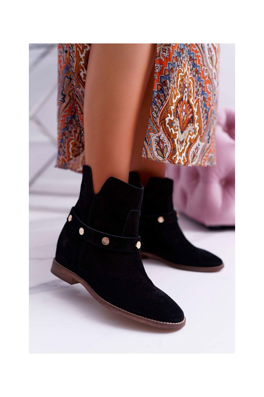 Členkové topánky na podpätku farba čierna kód obuvi 1890 BLACK 870