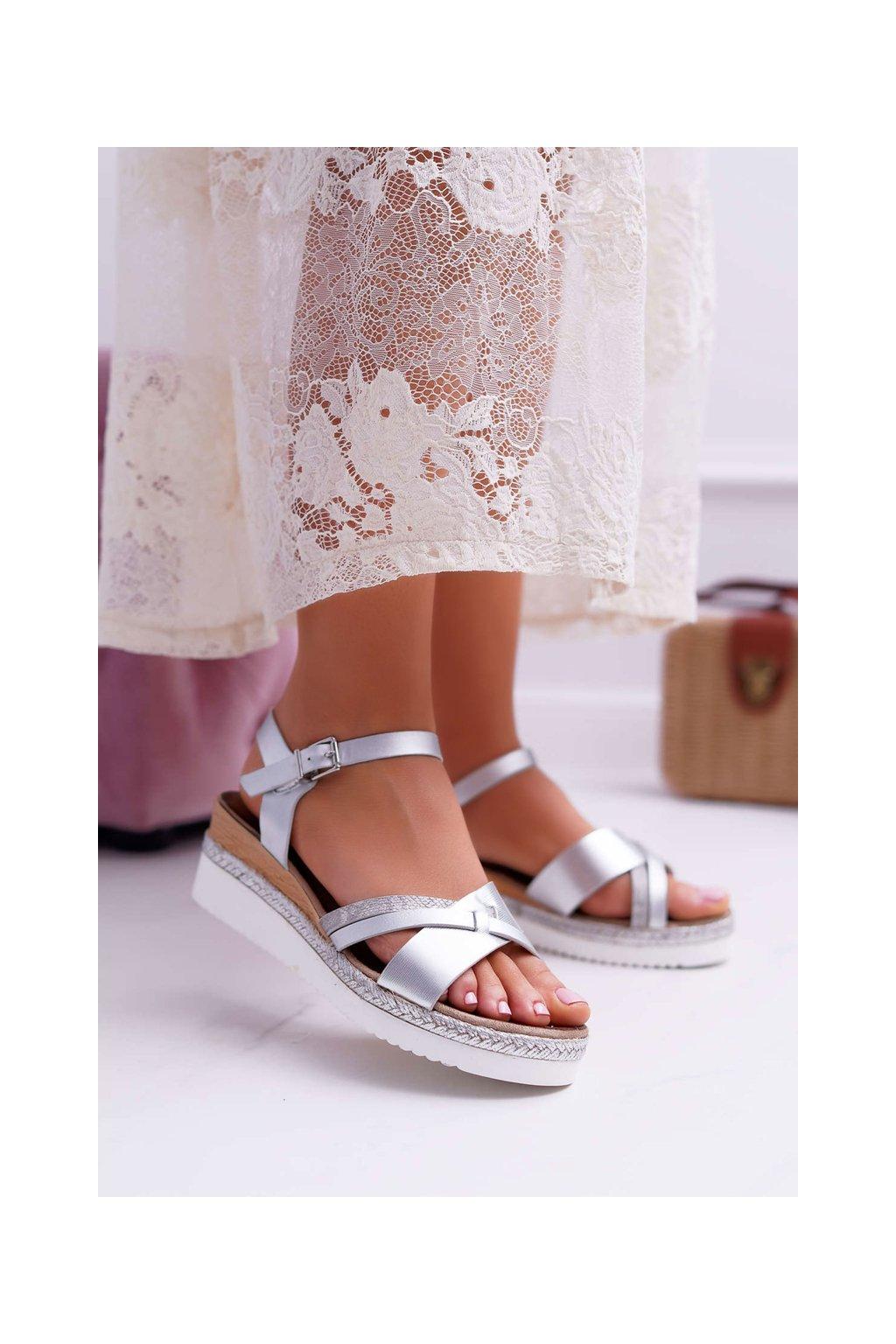 Dámske Sandále na klíne strieborné Meryl