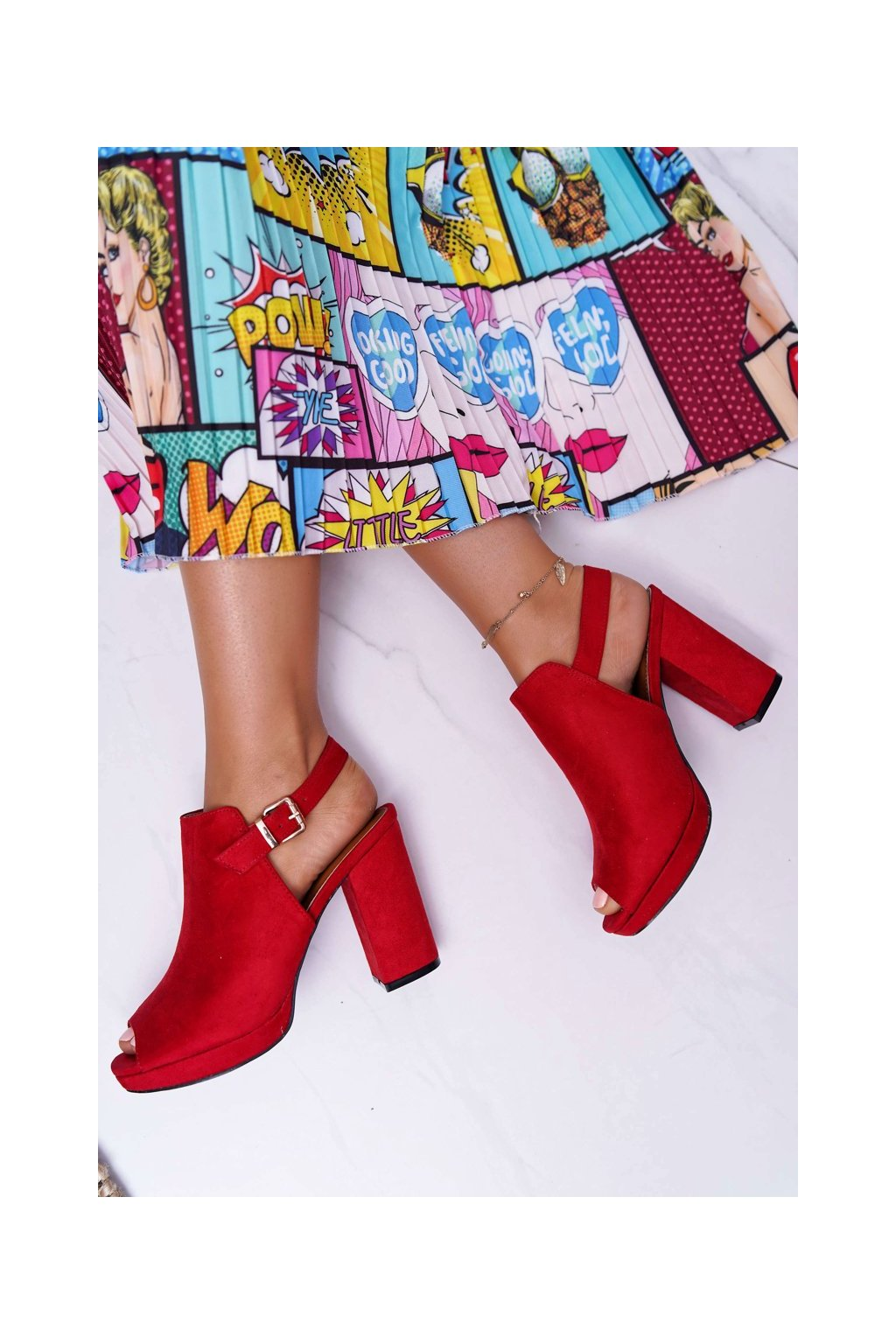 Dámske sandále na podpätku farba červená kód obuvi A230 RED