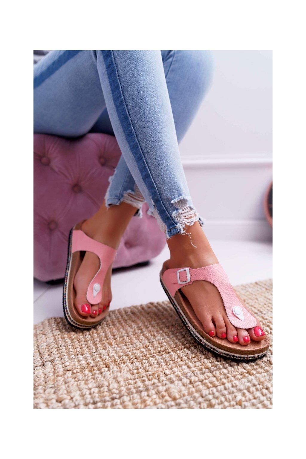Dámske šľapky farba ružová kód obuvi DD274133 PINK