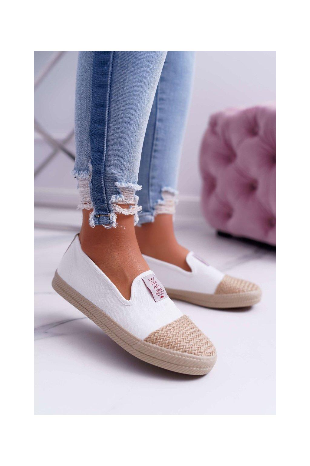 Dámske tenisky farba biela kód obuvi DD2R4044 WHITE