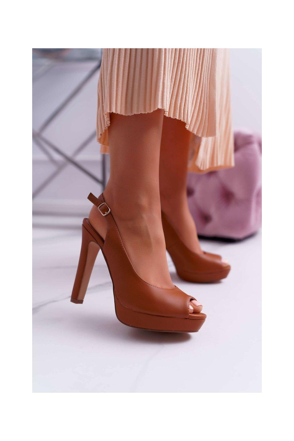 Dámske sandále na podpätku farba hnedá kód obuvi SG8866 CAMEL