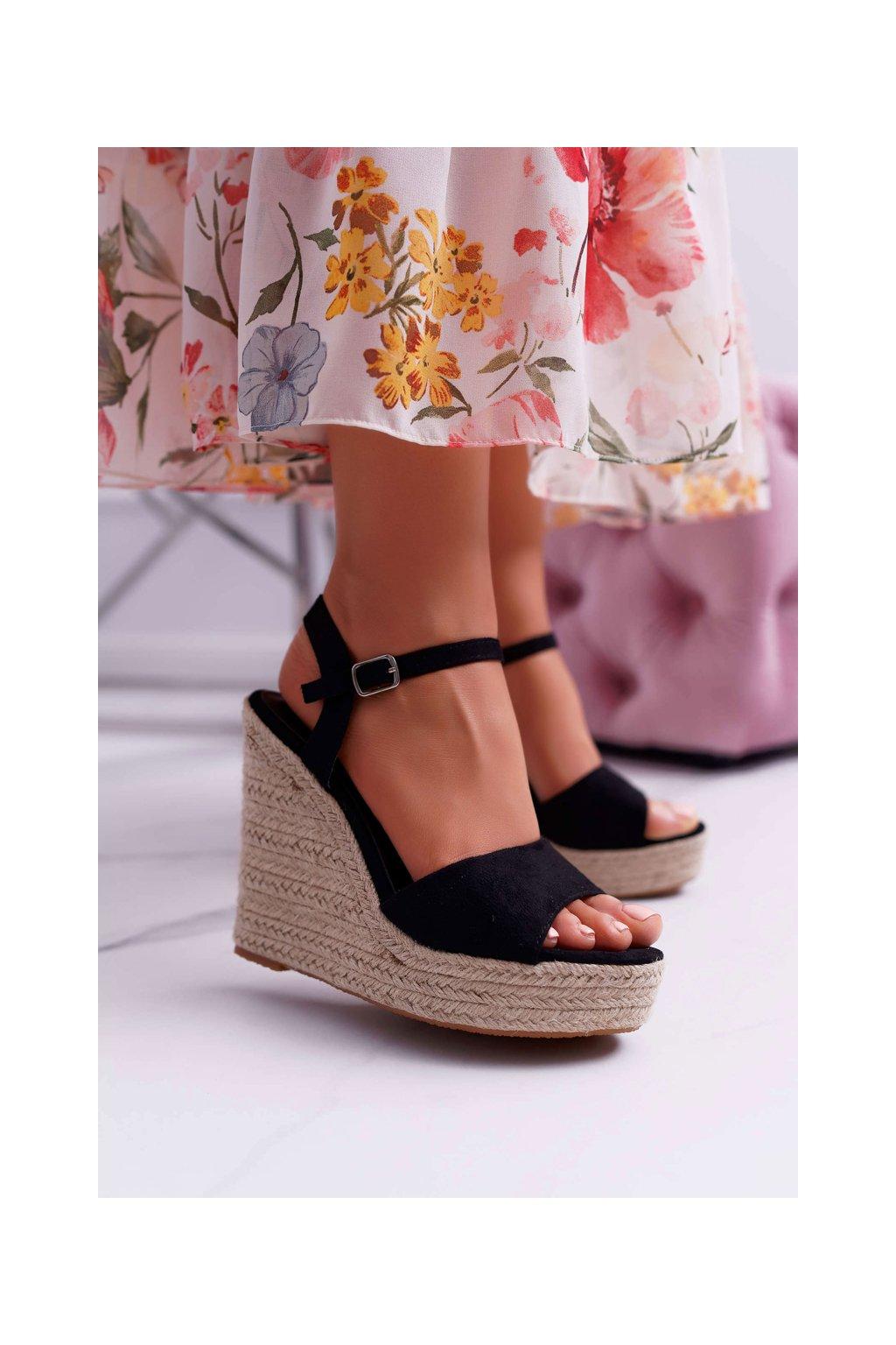 Dámske Sandále na kline čierne Girenn