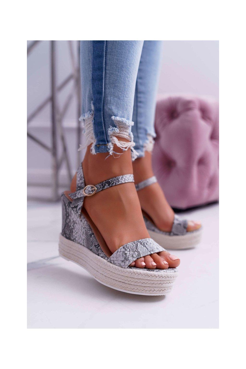 Dámske sandále na platforme farba sivá kód obuvi 7901 SERPENTINE