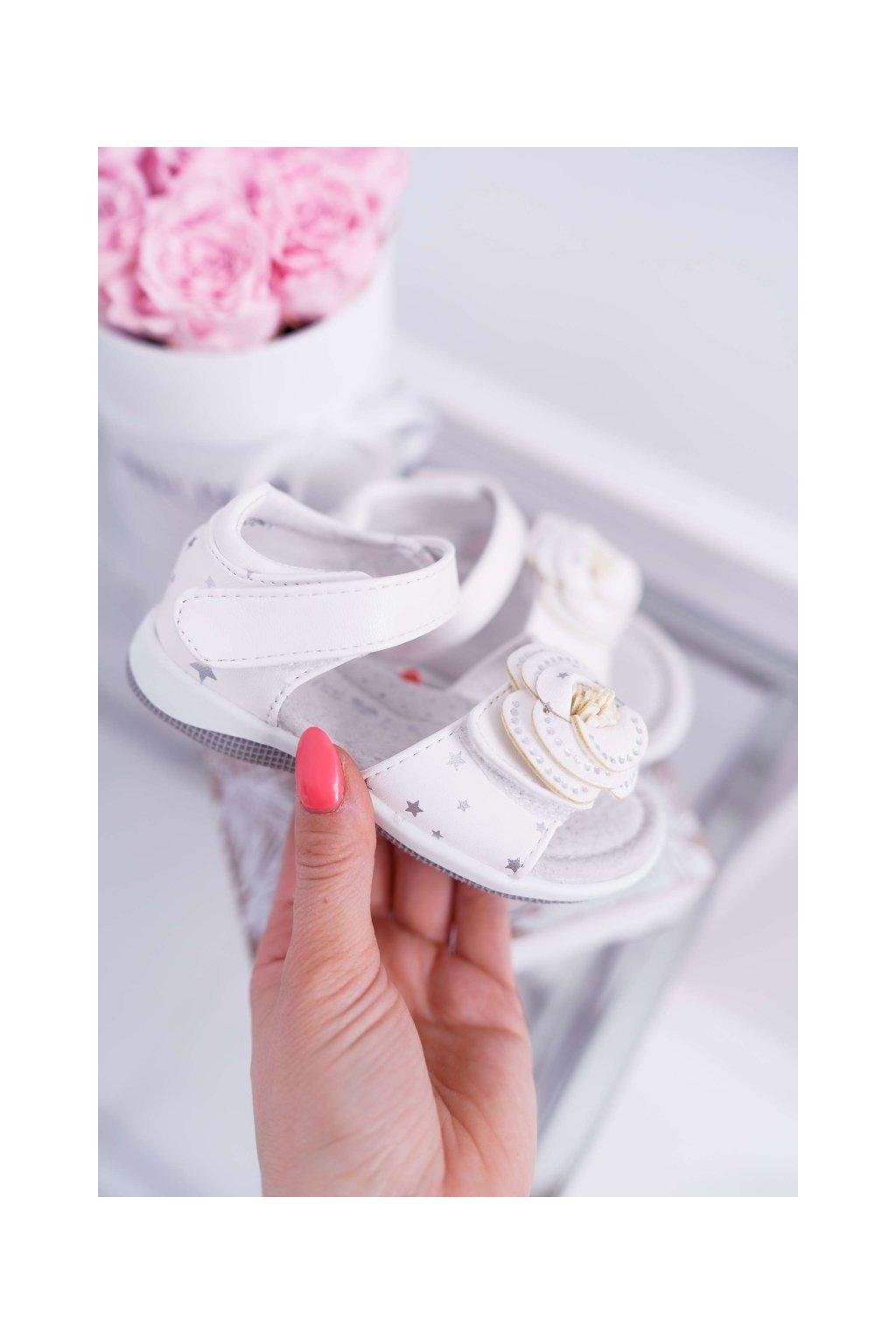 Detské sandále farba biela kód obuvi 9DZ60-0947 WHITE