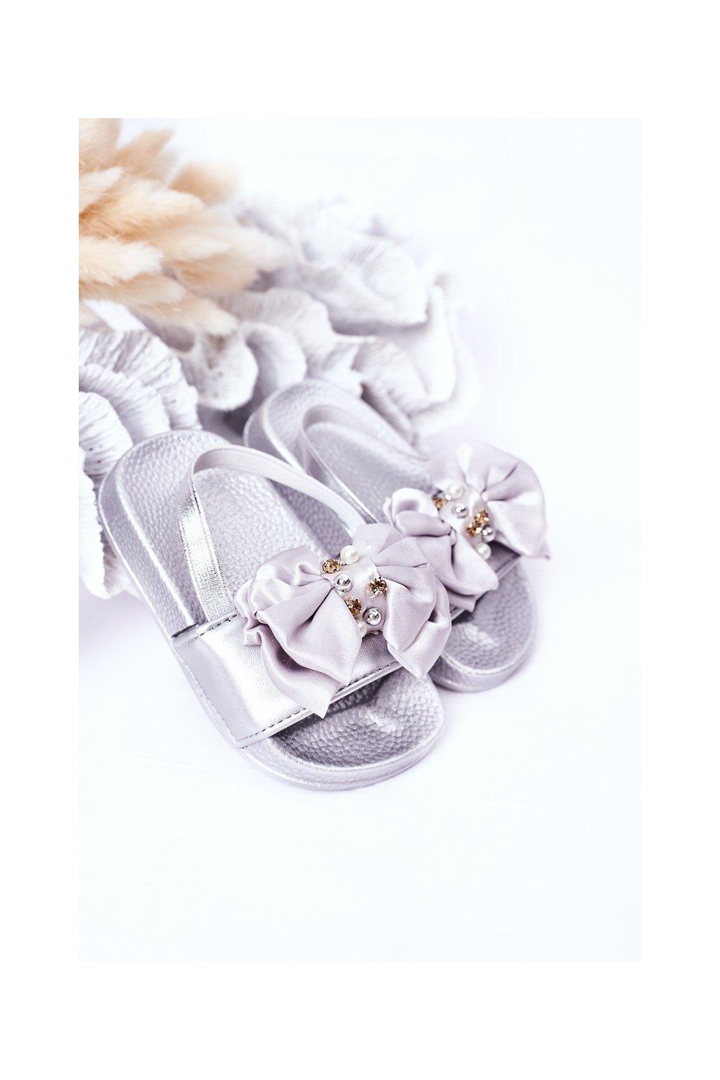 Detské šľapky farba sivá kód obuvi 295 SILVER